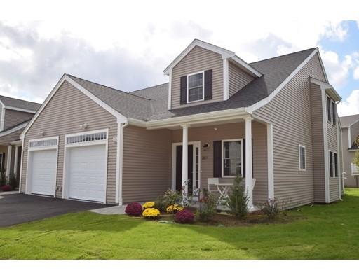 共管式独立产权公寓 为 销售 在 601 Meadow Lane #601 601 Meadow Lane #601 伦道夫, 马萨诸塞州 02368 美国