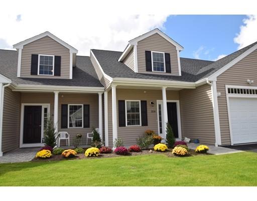 共管式独立产权公寓 为 销售 在 605 Meadow Lane #605 605 Meadow Lane #605 伦道夫, 马萨诸塞州 02368 美国