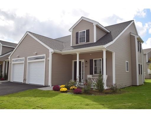 共管式独立产权公寓 为 销售 在 606 Meadow Lane #606 606 Meadow Lane #606 伦道夫, 马萨诸塞州 02368 美国