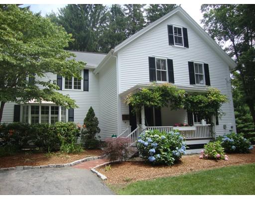 واحد منزل الأسرة للـ Sale في 22 Prospect Street 22 Prospect Street Foxboro, Massachusetts 02035 United States
