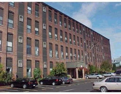 独户住宅 为 出租 在 34 Newhall Lowell, 01851 美国