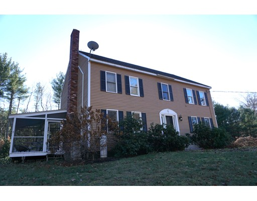 Single Family Home for Sale at 224 Worcester Road 224 Worcester Road Hollis, New Hampshire 03049 United States