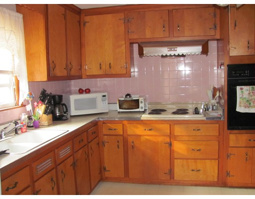 Apartment for Rent at 37 WALSH AVE #2 37 WALSH AVE #2 Auburn, Massachusetts 01501 United States