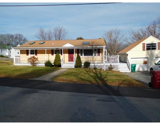Частный односемейный дом для того Аренда на 70 Seventeenth Street #-- 70 Seventeenth Street #-- Lowell, Массачусетс 01850 Соединенные Штаты