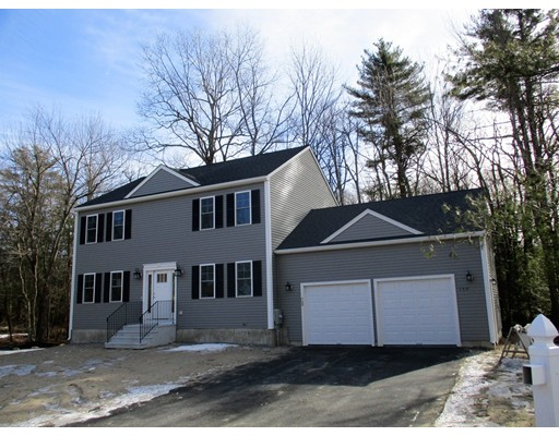 واحد منزل الأسرة للـ Sale في 159 Quinapoxet Street 159 Quinapoxet Street Holden, Massachusetts 01522 United States
