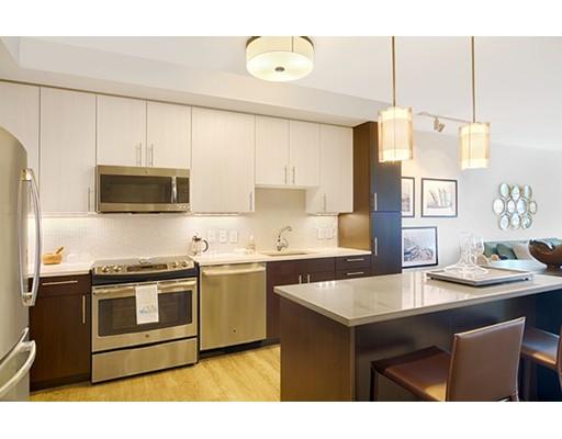 Частный односемейный дом для того Аренда на 1 Canal Street 1 Canal Street Boston, Массачусетс 02114 Соединенные Штаты