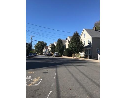 Casa Unifamiliar por un Alquiler en 88 Endicott Avenue 88 Endicott Avenue Revere, Massachusetts 02151 Estados Unidos