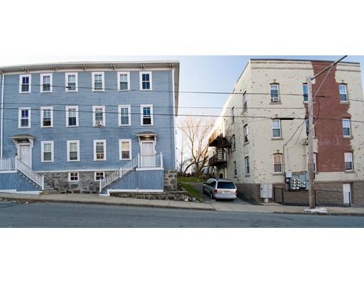 多户住宅 为 销售 在 287 Hartwell Street 287 Hartwell Street Fall River, 马萨诸塞州 02721 美国
