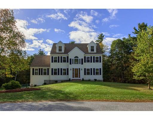 واحد منزل الأسرة للـ Sale في 14 Alexandra Drive 14 Alexandra Drive Pelham, New Hampshire 03076 United States