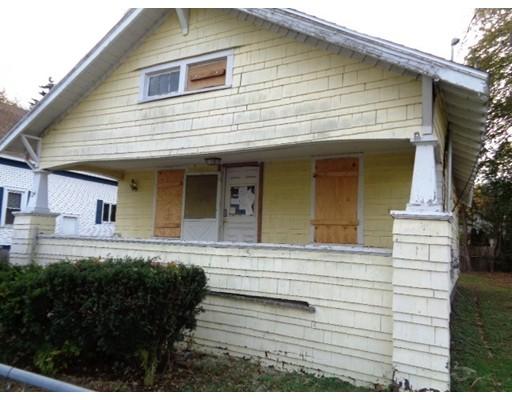 独户住宅 为 销售 在 24 Berbay Circle 24 Berbay Circle Springfield, 马萨诸塞州 01109 美国