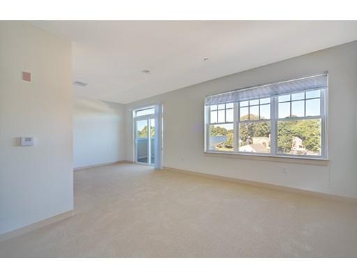 Additional photo for property listing at 120 Pleasant Street  沃特敦, 马萨诸塞州 02472 美国