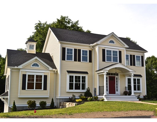 Casa Unifamiliar por un Venta en 121 Seven Star Road 121 Seven Star Road Groveland, Massachusetts 01834 Estados Unidos