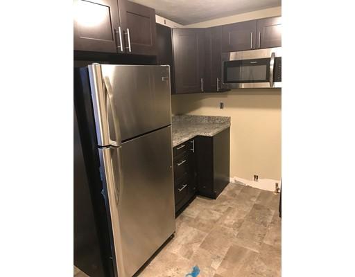 公寓 为 出租 在 94 Pleasant Street #1R 94 Pleasant Street #1R Whitman, 马萨诸塞州 02382 美国