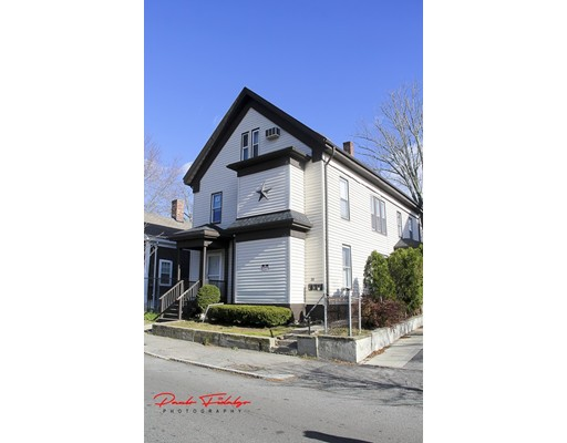 公寓 为 出租 在 20 Brook St. #1 20 Brook St. #1 布罗克顿, 马萨诸塞州 02301 美国