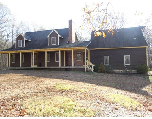 Single Family Home for Sale at 89 Yew Street 89 Yew Street Douglas, Massachusetts 01516 United States