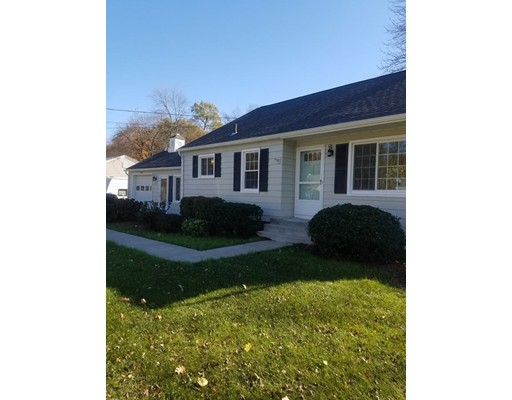 Casa Unifamiliar por un Alquiler en 132 Chestnut Street 132 Chestnut Street East Longmeadow, Massachusetts 01028 Estados Unidos