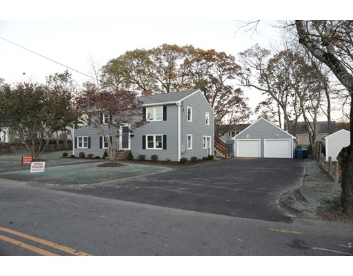 Additional photo for property listing at 126 Norfolk Street  Canton, Massachusetts 02021 Estados Unidos