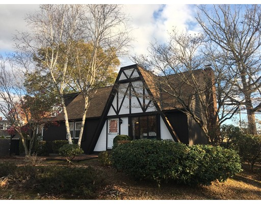 Maison unifamiliale pour l Vente à 7 Cedar Drive 7 Cedar Drive Webster, Massachusetts 01570 États-Unis