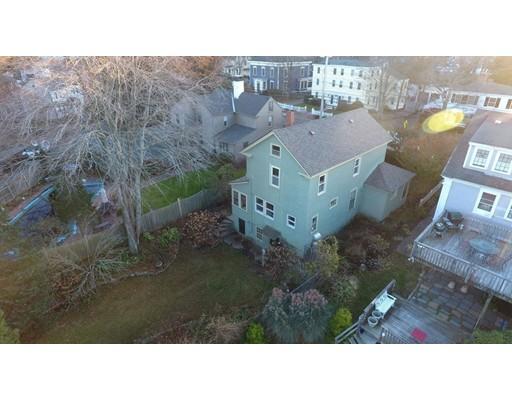 Частный односемейный дом для того Продажа на 340 Merrimac Street 340 Merrimac Street Newburyport, Массачусетс 01950 Соединенные Штаты