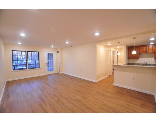 独户住宅 为 出租 在 324 Washington Street 韦尔茨利, 02481 美国
