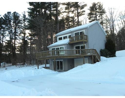 Maison unifamiliale pour l Vente à 2 Pine Lane 2 Pine Lane Charlton, Massachusetts 01507 États-Unis