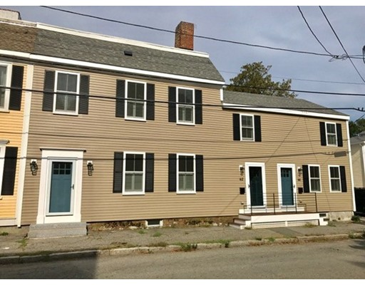 Casa unifamiliar adosada (Townhouse) por un Alquiler en 62 Lime Street #Left 62 Lime Street #Left Newburyport, Massachusetts 01950 Estados Unidos