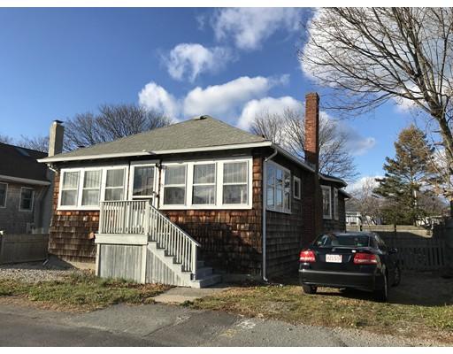 Частный односемейный дом для того Аренда на 23 R St dec-june 30 23 R St dec-june 30 Hull, Массачусетс 02045 Соединенные Штаты