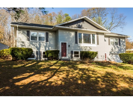 Maison unifamiliale pour l Vente à 6 Hadley Path 6 Hadley Path West Brookfield, Massachusetts 01585 États-Unis