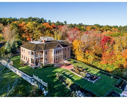 独户住宅 为 销售 在 526 Merrimac Street 526 Merrimac Street Newburyport, 马萨诸塞州 01950 美国