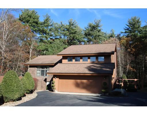 واحد منزل الأسرة للـ Sale في 4 Fox Hollow Drive 4 Fox Hollow Drive Saugus, Massachusetts 01906 United States