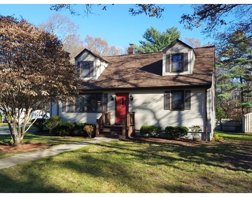 Maison unifamiliale pour l Vente à 32 Cox Street 32 Cox Street Acushnet, Massachusetts 02743 États-Unis