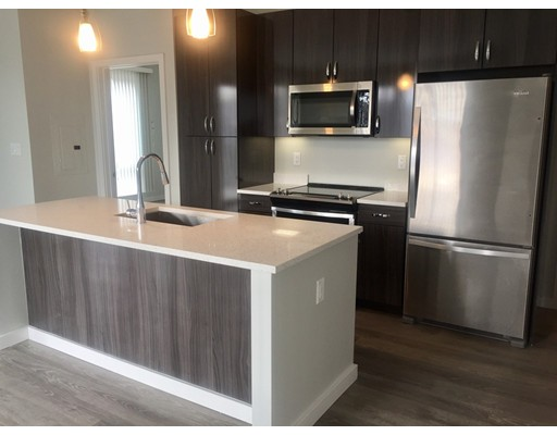 Apartamento por un Alquiler en 640 Boston Ave #201 640 Boston Ave #201 Medford, Massachusetts 02155 Estados Unidos