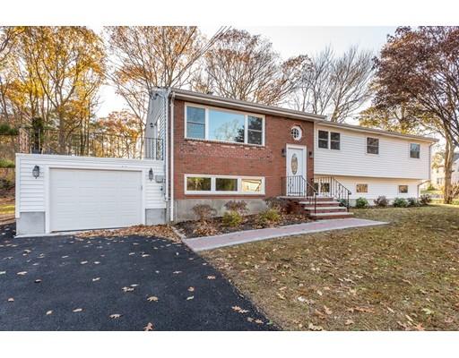 Частный односемейный дом для того Продажа на 115 Grove Street 115 Grove Street Braintree, Массачусетс 02184 Соединенные Штаты