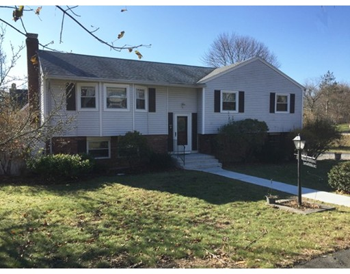 Casa Unifamiliar por un Venta en 10 Dartmouth Street Peabody, Massachusetts 01960 Estados Unidos