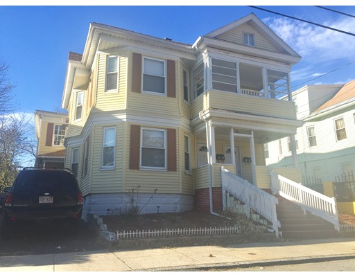 多户住宅 为 销售 在 86 Warwick Street 86 Warwick Street Lawrence, 马萨诸塞州 01841 美国