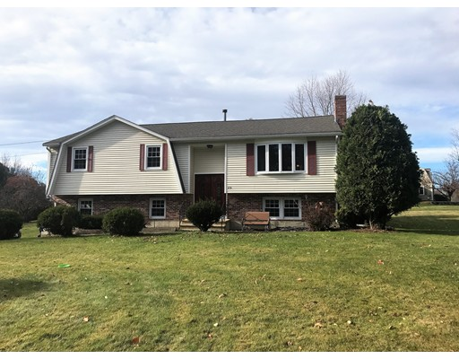 Maison unifamiliale pour l Vente à 25 Makos Street 25 Makos Street Tyngsborough, Massachusetts 01879 États-Unis