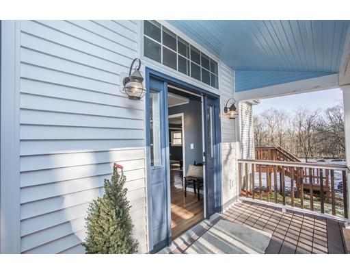 واحد منزل الأسرة للـ Sale في 859 Somerset Avenue 859 Somerset Avenue Dighton, Massachusetts 02764 United States