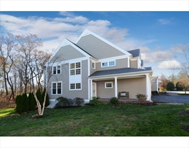 Property for sale at 6 Essex Rd Unit: 4, Ipswich,  Massachusetts 01938