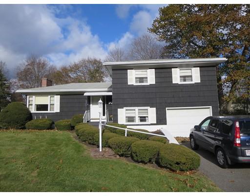 واحد منزل الأسرة للـ Sale في 145 West Meadowview Road 145 West Meadowview Road Holyoke, Massachusetts 01040 United States