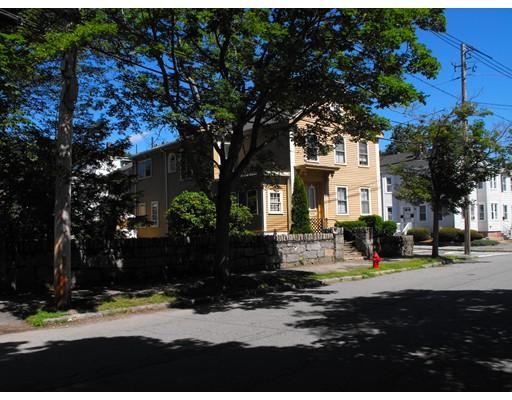 Casa Multifamiliar por un Venta en 70 Bromfield 70 Bromfield Newburyport, Massachusetts 01950 Estados Unidos