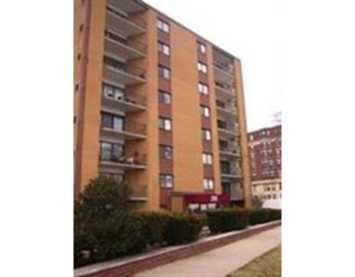 Additional photo for property listing at 295 Lynn Shore drive  Lynn, Massachusetts 01902 United States