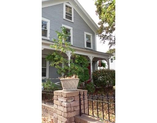 Частный односемейный дом для того Продажа на 151 Milton Street 151 Milton Street Dedham, Массачусетс 02026 Соединенные Штаты