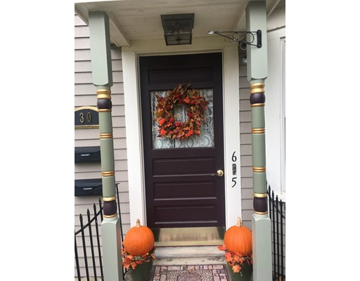 Casa Unifamiliar por un Alquiler en 30 Main Street 30 Main Street Foxboro, Massachusetts 02035 Estados Unidos