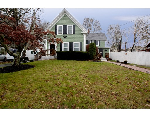 Casa Multifamiliar por un Venta en 332 Commercial Street 332 Commercial Street Whitman, Massachusetts 02382 Estados Unidos
