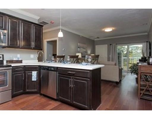 共管式独立产权公寓 为 出租 在 92 North Main Street #B 92 North Main Street #B West Boylston, 马萨诸塞州 01583 美国
