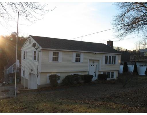 واحد منزل الأسرة للـ Sale في 120 Amesbury Street 120 Amesbury Street Dracut, Massachusetts 01826 United States