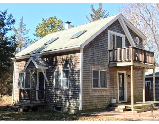 Single Family Home for Sale at 132 County Road 132 County Road Oak Bluffs, Massachusetts 02557 United States