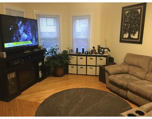 Частный односемейный дом для того Аренда на 419 S Beach Street 419 S Beach Street Fall River, Массачусетс 02724 Соединенные Штаты