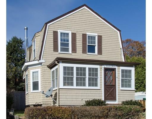 واحد منزل الأسرة للـ Sale في 8 Adams Place 8 Adams Place Gloucester, Massachusetts 01930 United States