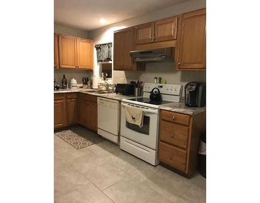 Maison unifamiliale pour l à louer à 34 Essex 34 Essex Ludlow, Massachusetts 01056 États-Unis